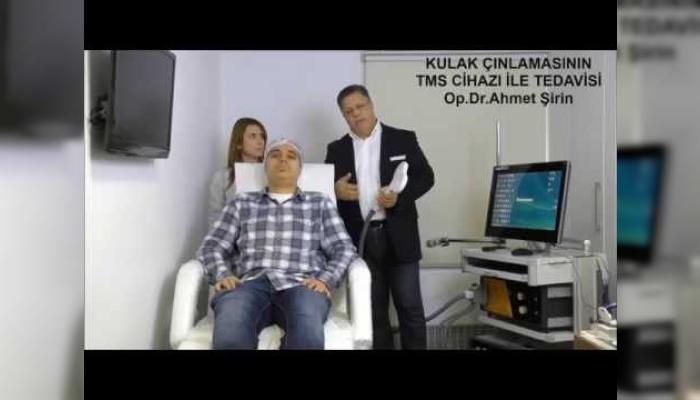 kulak-cinlamasi-yeni-tedavisi-r-tms-nin-hastaya-uygulanmasi